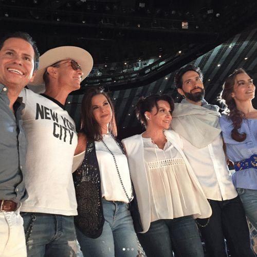 Diego, Erik, Alix, Mariana, Benny y Sasha se reúnen nuevamente.