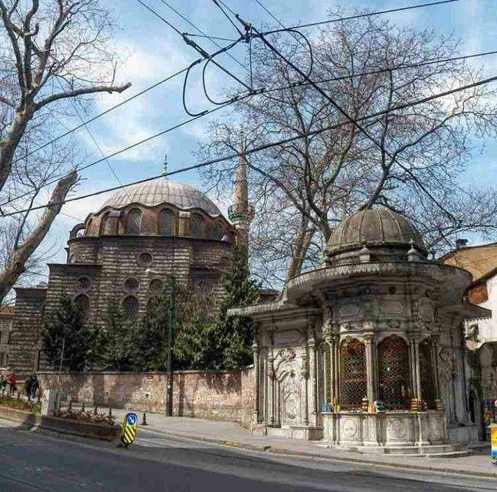 Zeynep Sultan mosque-Constructive: Ottoman Sultan III. Ahmed's daughter Zeynep Asime Sultan-Year built: 1769-Architect: Mehmet Tahir Aga-Restore: Vakıflar-Restore year: 1958-Restore: People-Restore year: 1983-Restore: City administrations(İl özel idaresi)-Restore year: 2014-Gülhane-İstanbul-Turkiye