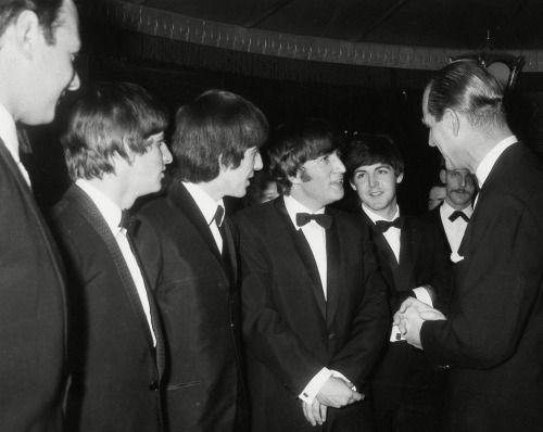 """...Брайан Эпштейн и принц Филипп в """"Empire Ballroom"""" на танцевальном конкурсе """"Carl-Alan Awards"""" (г.Лондон, 23 марта 1964 года)"""