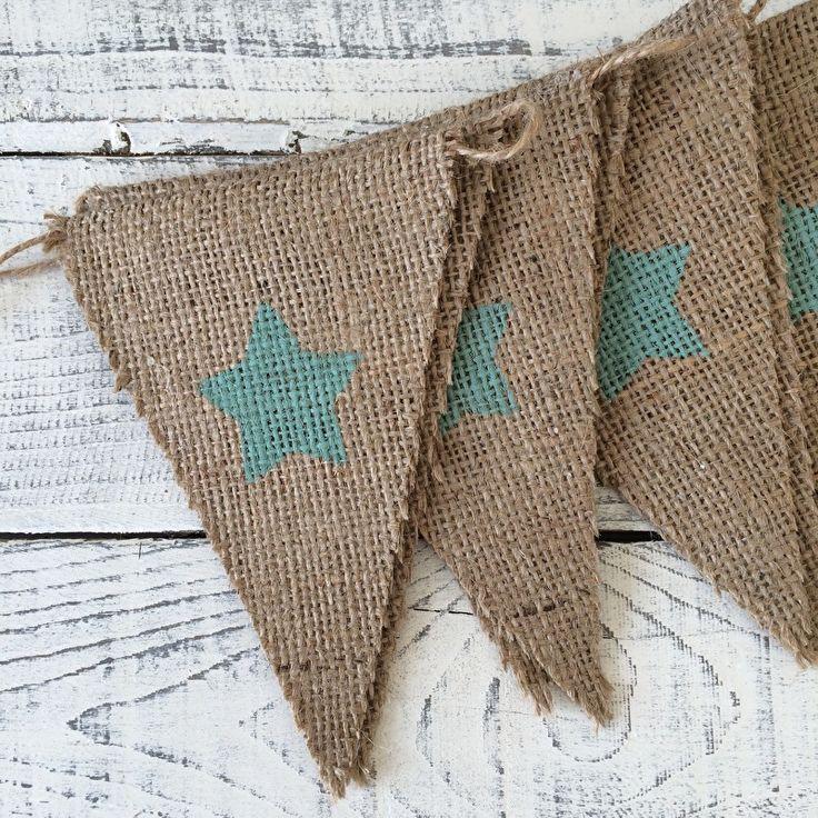 Leuk als decoratie voor in huis, de babykamer of op je bruiloft.   Jute vlaggenlijn met ♥/★ | Zelf samenstellen   www.evice.nl
