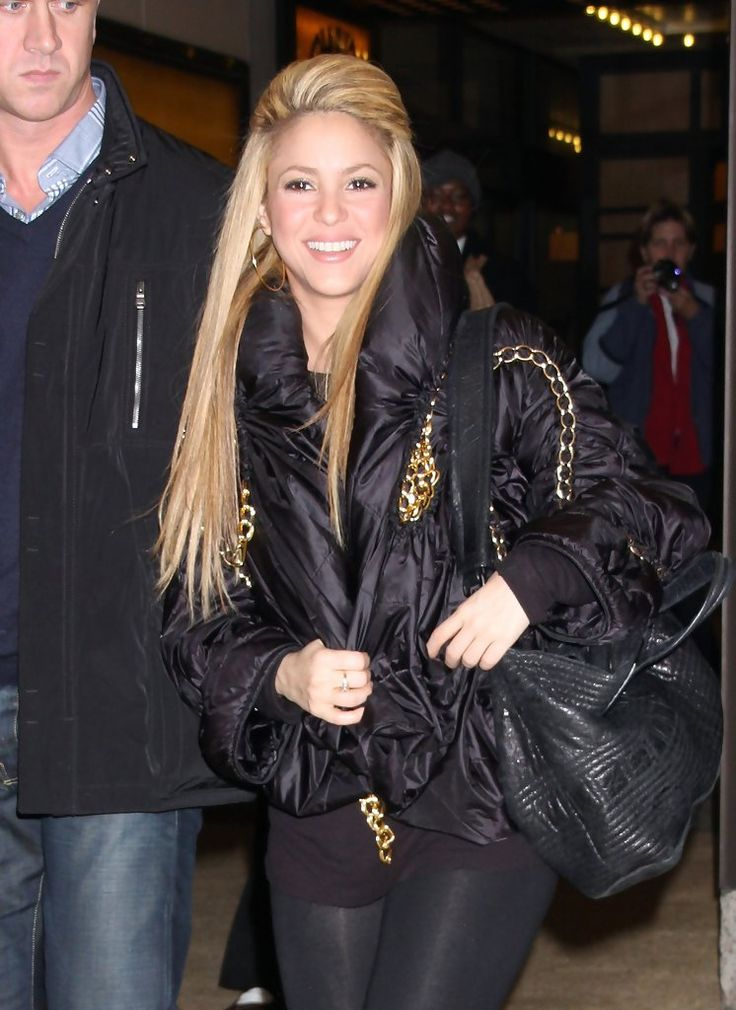 Shakira Photos: Shakira & Nick Cannon Leaving MTV Studios In NYC