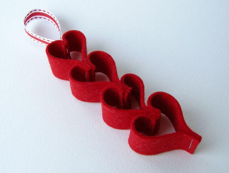 Felt Heart Ornament: Crafts Ideas, Valentines Heart, Paper Heart, Felt Ornaments, Heart Garland, Garlands Ideas, Heart Chains, Garland Ideas, Felt Heart