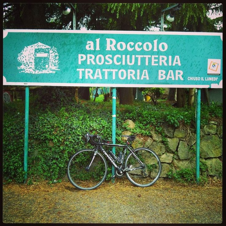 After my birthday Easter and Easter Monday... #cycletherapy #Caadotto #senzabicinonsostare #allenamento #training #bici #bike #velo #bicicletta #bicycle #pushbike #ciclismo #cycling #cicloturismo #cycletourisme #cycletouring #bikelife #usalabici #pedalaognigiorno #pedalaognigiorno #amore #love #passione #passion #primavera #spring #roadbike #bdc #collieuganei #padova