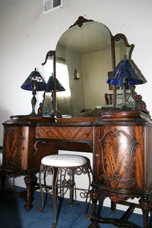 141 best Antique Furniture images on Pinterest | Antique furniture ...