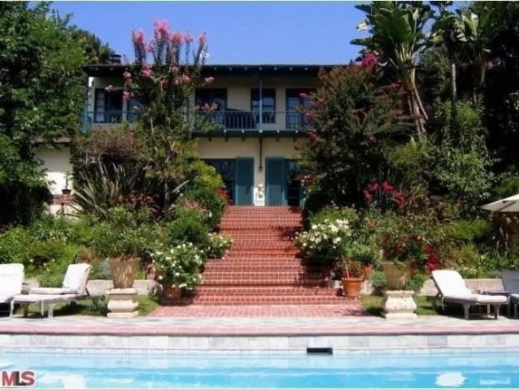Helen Mirren's LA Garden Estate for Rent | Zillow Blog