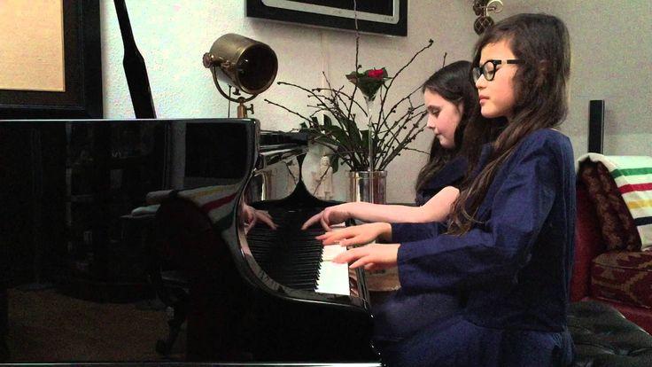 Valery Gavrilin: Waltz aus Sketches für Klavier zu vier Händen. Performed by Nomiko Taima Linkies & Anna Katsova on a Blüthner Grand Piano | Gespielt auf einem Großen Blüthner-Flügel in Leipzig, 2015
