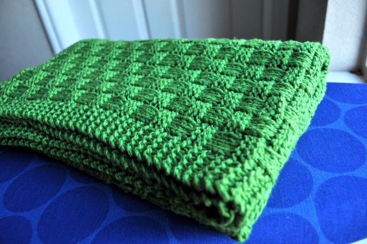 knitted baby blanket; love the color and pattern