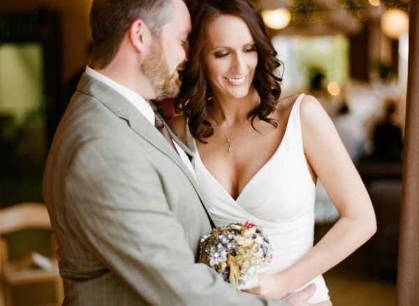 Earthy Chic Dallas Wedding on http://ruffledblog.com