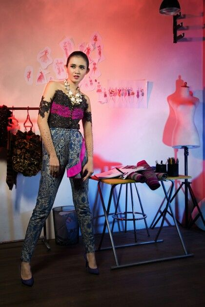 Model by Martha Puri // Make up and hair do by Fei // Stylist by Fei //Kebaya from Crazy No Play Premium by Fei // Ass by Rani Ranov// Photo by Gori// Location at Crazy No Play workshop.  --- This photo was published on Majalah Kebaya Indonesia, 2014 March Issue