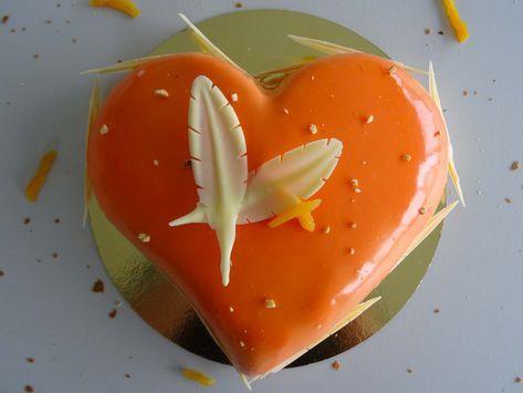 """Entremets coeur d'abricots vanille """"Comme une pllume"""" #tropbon #gourmandise #patisserie #abricots #pastry"""