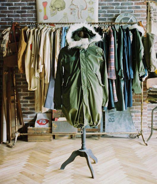 【最も早くオシャレになる方法】現役メンズファッションバイヤーが伝える洋服の「知り方」/ Knower Mag » 【Pコート?モッズコート?どんな形?どんな着方がいいの?】アウター、コートの基礎知識