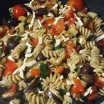 Pasta fredda integrale con Tofu, melanzane olive e pomodorini! Dalla tavola dei miei pazienti 😉 piacerà anche a chi non ama il Tofu!! 😊😊 #nutrizionistaviterbo #viterbo #nutrizionistasantini #piattoestivo #piattofreddo #vegetariano #veganfood #tofu #solocosebuone #pastafredda #pastaintegrale #piattolight #piattosano #piattounico #piattoestivo #piattofreddo #insalata