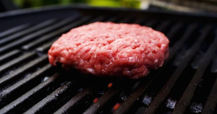 Let smoked hamburgers star as the highlight of your next backyard barbecue -- smoking your hamburgers adds a twist to the traditional cooking style of ordinary burgers. The smoky flavor from the wood chips is something the ordinary grill or skillet can't provide. You can easily smoke hamburgers using a traditional smoker or by adding wood...