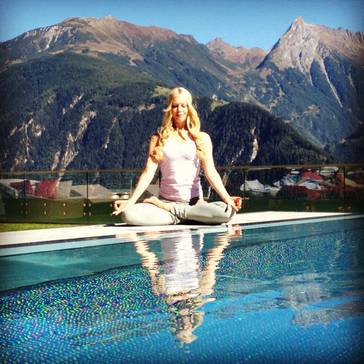 KARINA WAGNER - Yoga im STOCK resort