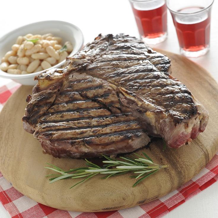De bistecca alla fiorentina, door sommigen ook wel de flintstones biefstuk genoemd. Een aanrader voor alle niet vegetariers