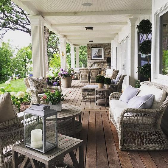 5 Inspirational porches to get your Spring re-fresh groove on...  I've been pinning my little heart out, gaining inspiration for our upcoming  porch re-fresh. Wanna see some things that have caught my eye? Of course,  you do!  source  Loving the multi-functionality of this space, all the neu