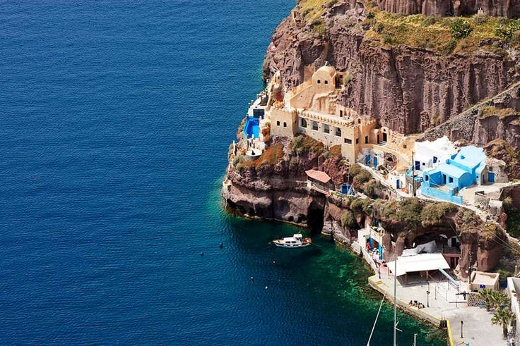 At Athina Suites all studios and suites are carved inside the volcanic rock. And #Fira is at walking distance.  http://www.guestus.com/EN/Europe/Greece/South-Aegean/Santorini/Hotels/Athina-Suites/