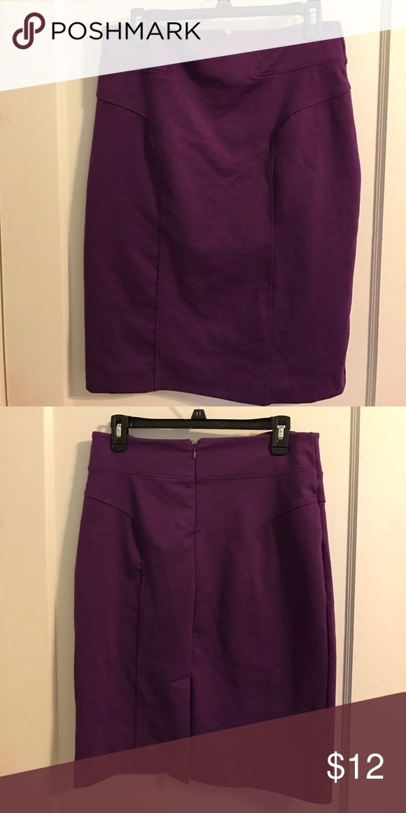 Net York & Company Purple Pencil Skirt - sz 8 This pencil skirt is so stretchy and comfortable. Pairs well with black boots for the fall or winter. Slit in back. Fabric has very slight pilling in a few areas but not noticeable. Only worn and washed a few times, in great condition. New York & Company Skirts Pencil