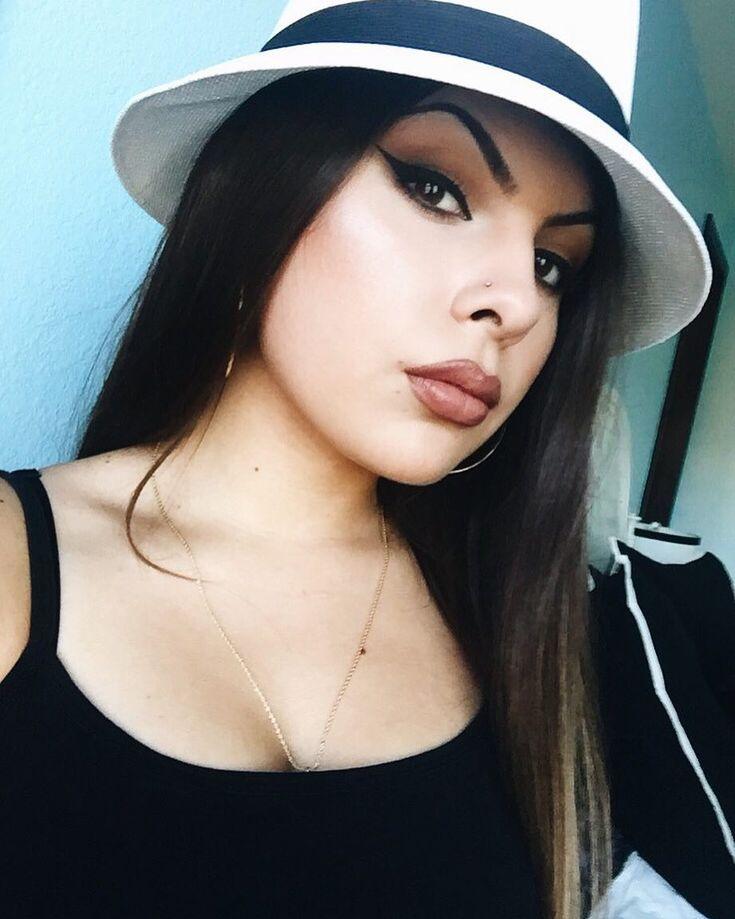 "3,475 Likes, 8 Comments - b r o w n & p r o u d (@chicano_styles) on Instagram: "" •  @esa_lonely_browneyes • #chicana #chola #chula #hyna #mamacita #mexican #barrio…"""