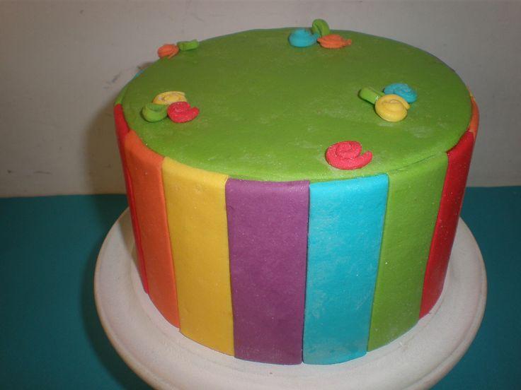 torta de utilería arcoiris / rainbow cake Tortas cakes by Dulcinea de la fuente www.facebook.com/dulcinea.delafuente  #fiesta #festejo #cumpleaños #mesadulce#fuentedechocolate #agasajo# #candybar  #tamatización #souvenir  #regalos personalizados #catering finger food