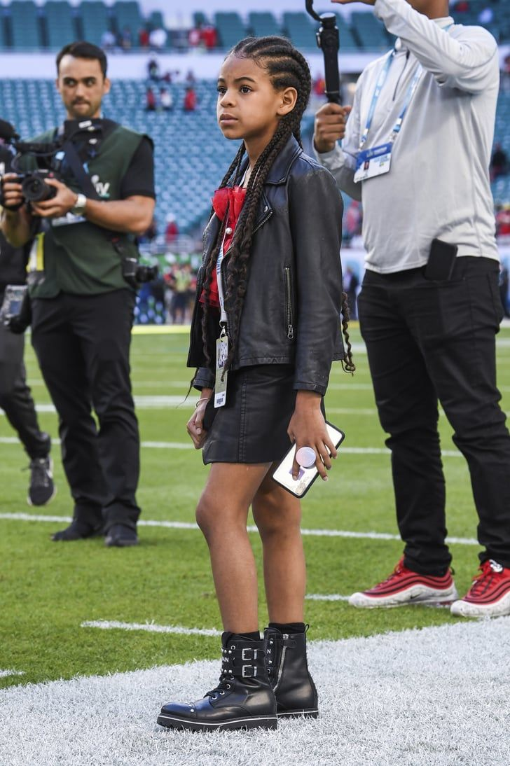 Blue Ivy Went To The Super Bowl With Her Dad Jay Z And Yes Her Outfit Is Amazing In 2020 Blue Ivy Carter Blue Ivy Beyonce