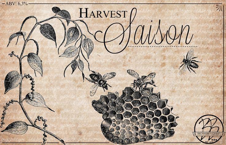 """Harvest Saison. Kent Daniel Edvardsen (bryggare) och Sara Sjöäng (formgivare), Lundsbrunn 2015. """"Ölet är bryggt med honung och svartpeppar, därav illustrationerna på etiketten. Ville även få en något rustik känsla vilket jag tycker passar en Saison."""" Licens: CC-BY-NC"""
