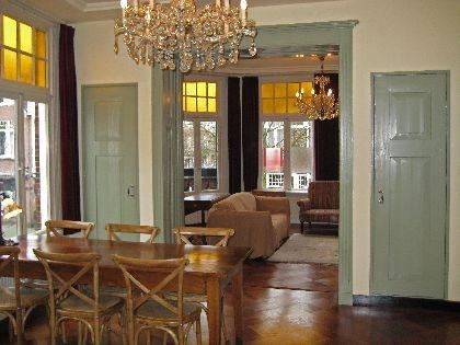 9 best images about kamer en suite on pinterest stylists dark tile floors and dutch - Moderne deco volwassen kamer ...