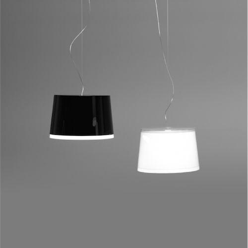 International Furniture - L001S BB - moffice.dk. #design #belysning #kontor #pendel  #indretning #lampe #sort #hvid