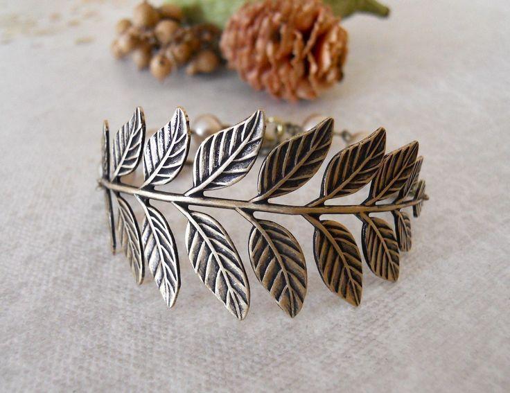 True Love  Branch Bracelet Friendship Bracelet Charm BraceletBeadwork Brass Leaf Vintage bracelet Bronze peals. Free Shipping 21.00 USD Available at http://ift.tt/1NM3wVS