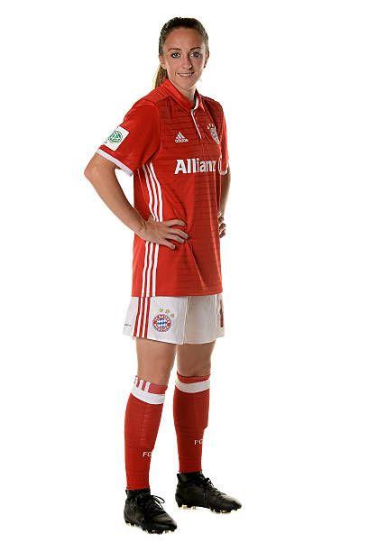 Lisa Evans of FC Bayern Muenchen poses during the Allianz Women's Bundesliga… – FC Bayern München