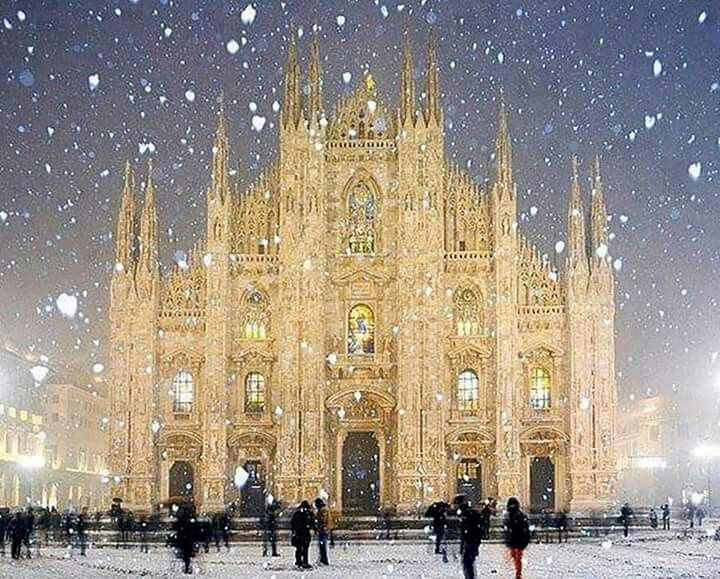 Snowy Milan, Italy