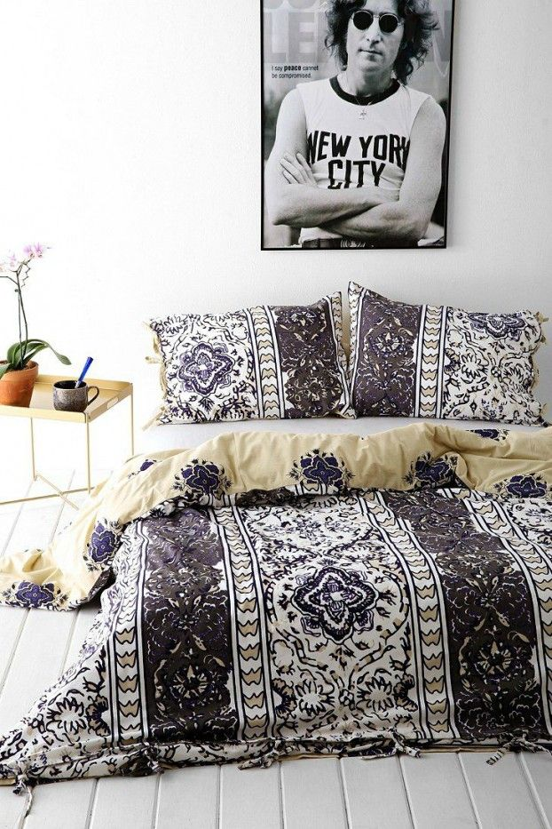 The bedding isn't my style, but I love everything else. Including the placement.