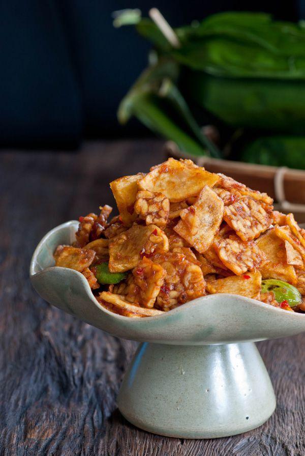 Spicy tempeh and potato stir fry