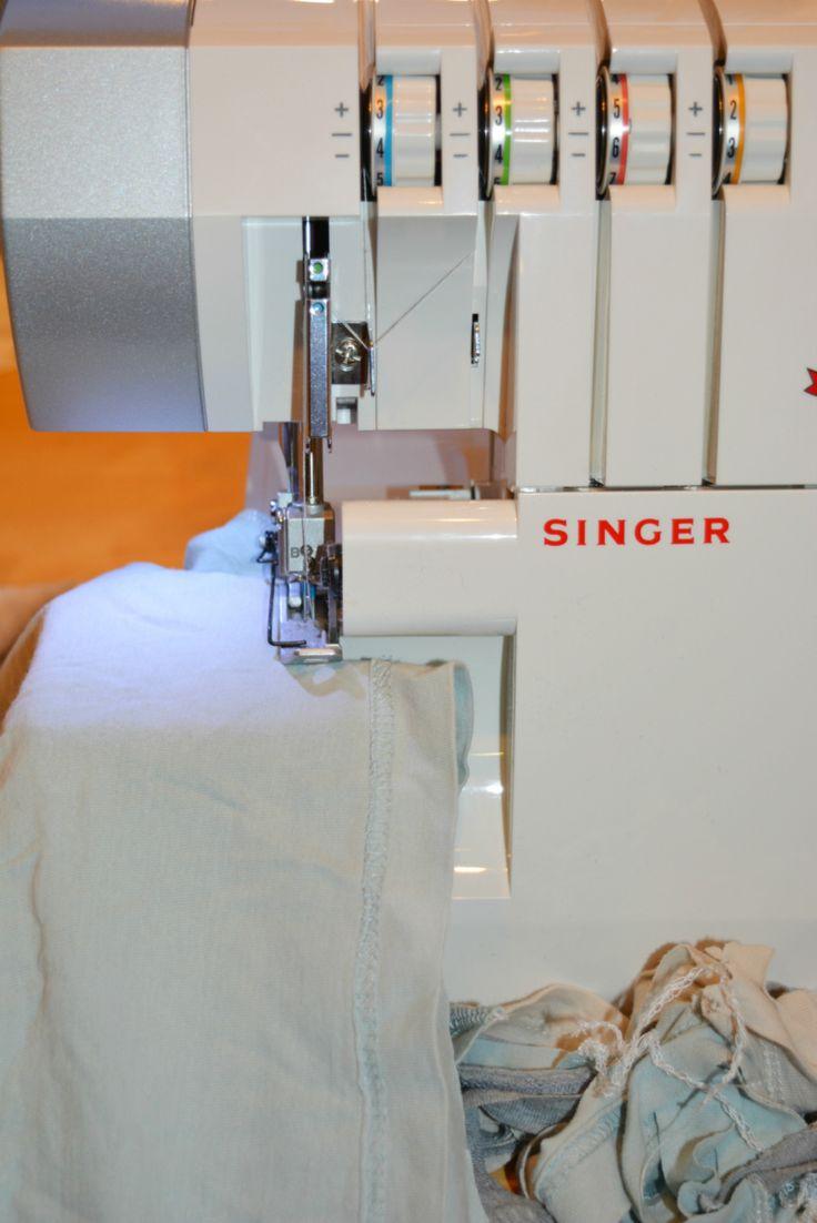 best 25 singer overlock ideas on pinterest costura. Black Bedroom Furniture Sets. Home Design Ideas