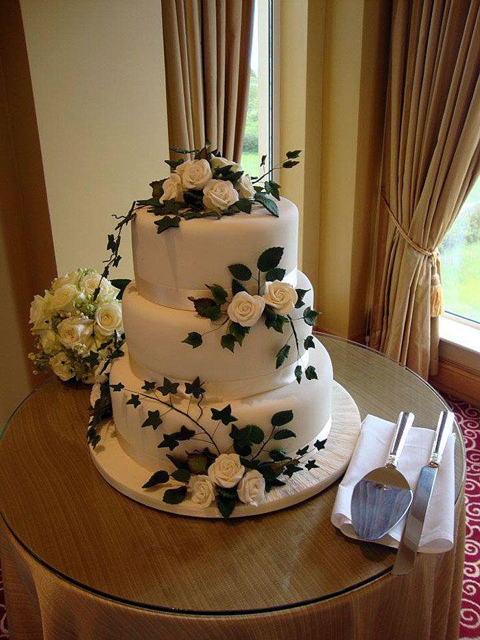 Rose & Ivy Wedding Cake