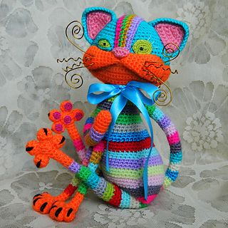 Many colors! Many strips! And many positive! This would be a wonderful souvenir cat, created with your own hands. Make it!