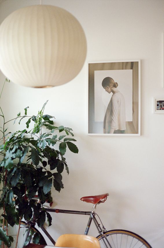 Home - New York (photo: Clement Pascal) | George Nelson Ball Pendant Lamp