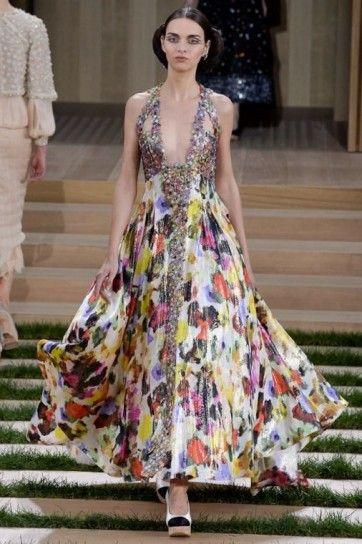 Long dress colorato Chanel - Abito lungo colorato con scollatura profonda della collezione Chanel haute couture primavera/estate 2016