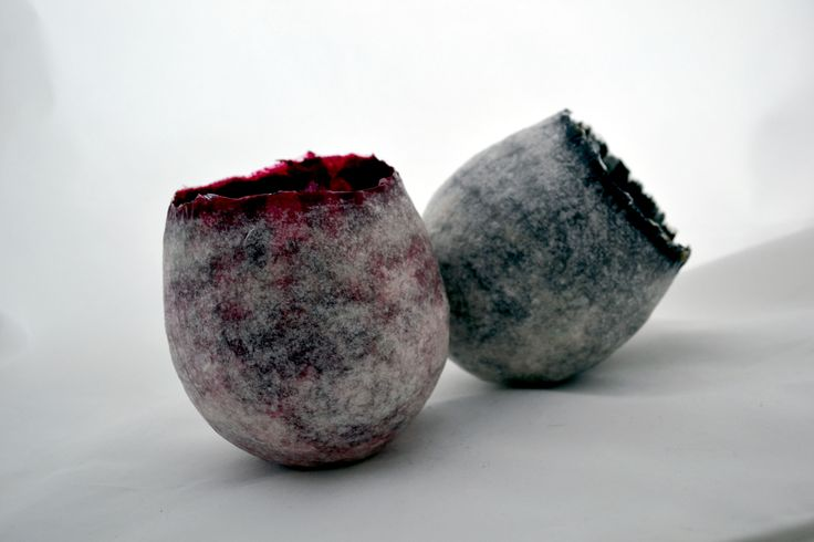 Vessels made of handmade paper, natural materials and gold leaf. Kaziale Stavroula