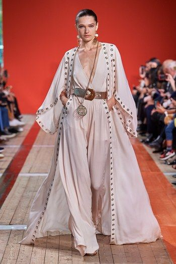 Desfile de moda de Elie Saab Spring 2020 Ready-to-Wear