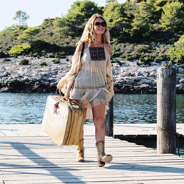 0cbb51be2e58c8 NEW   Mamma Mia: Here We Go Again! stills! #lilyjames. Lilly James Mamma  Mia outfits to recreate