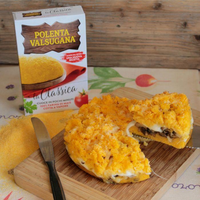 Sbriciolata di polenta gialla filante con funghi e scamorza #RICETTAPOLENTA  #POLENTA #FUNGHI