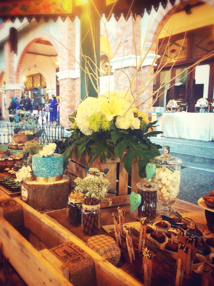 Rustic#wedding#sweets#desserttable#raetable