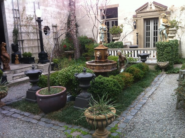 Many Of The Buildings In Olde Towne Portsmouth Have These Beautiful Secret  Little Courtyards.