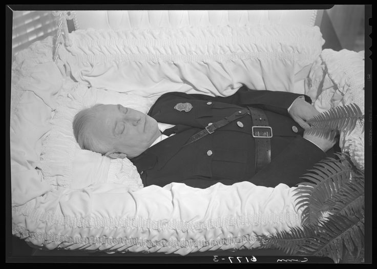A US police officer at funeral home
