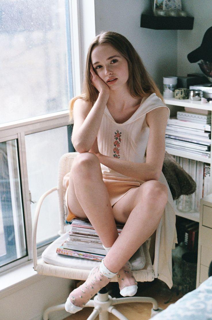 nude nymphet cameltoe naked