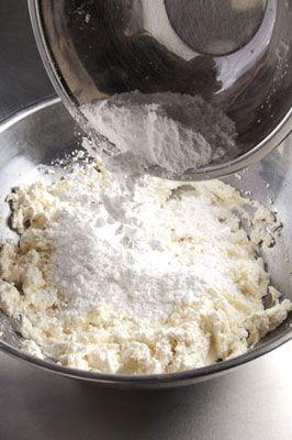 Holy Cannoli! The Cannoli Nachos Recipe - The WEBstaurant Store Blog
