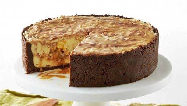 Υπέροχο cheesecake με σοκολάτα Mars, από το sintayes.gr!
