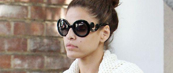 Eva Mendes usa Gafas de sol Prada #MunkelVaConmigo