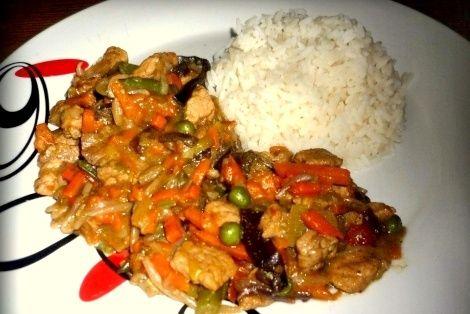 Wieprzowina 5 Smaków to chińska potrawa przygotowana w sposób pięciu smaków. Każdy smak jest wyjątkowo smaczny i wyczuwalny